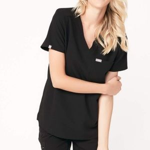 FIGS CATARINA ONE POCKET SCRUB TOP